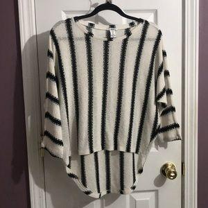 Bar III Stripe Oversized Wing Sleeve Sweater M